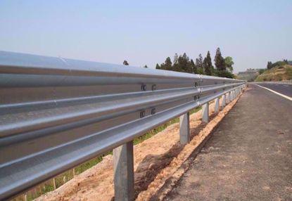 图片 GT W3-3.0mm 镀锌三波波纹板高速公路护栏板